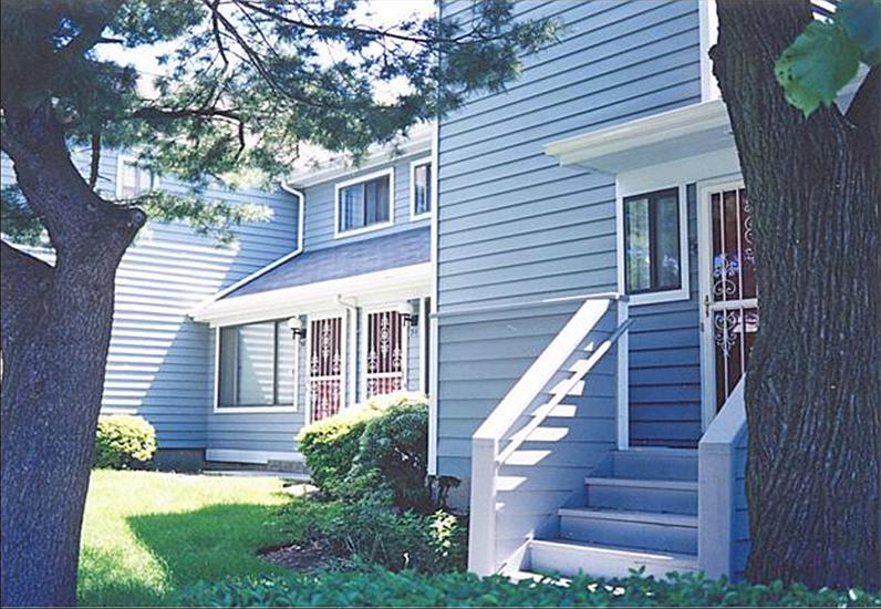 Elmcroft Condominiums